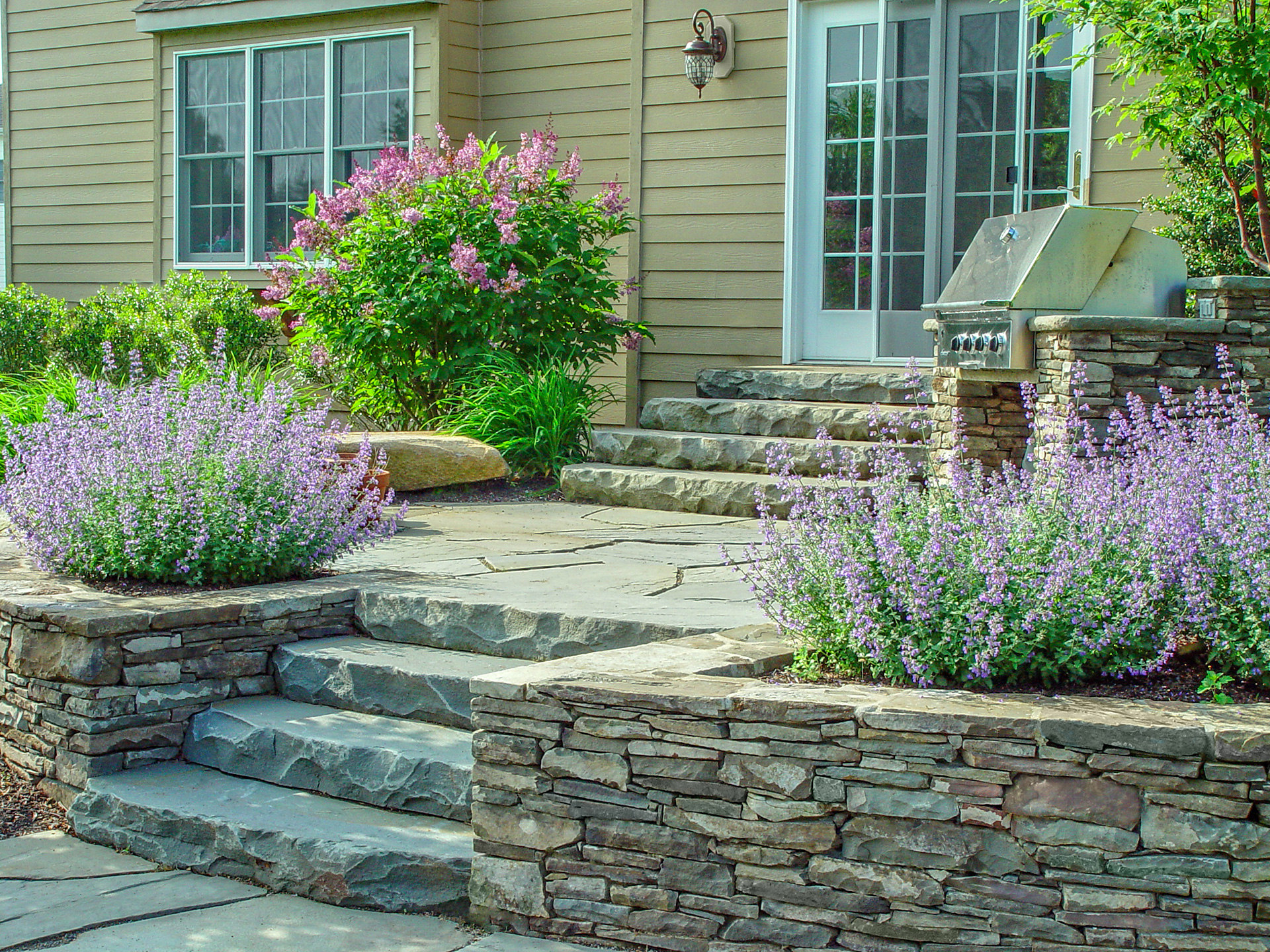 How To Explore The Best Stone Masonry Experts Work To Maintain Natural Stone